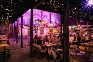 Die Brasserie Wein und Dein vom Parkhotel Landau im Konzertgarten der Jugendstil-Festhalle