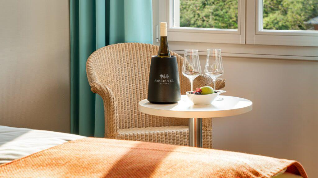 Zimmer Suiten Wein Parkhotel Landauz Standard Plus